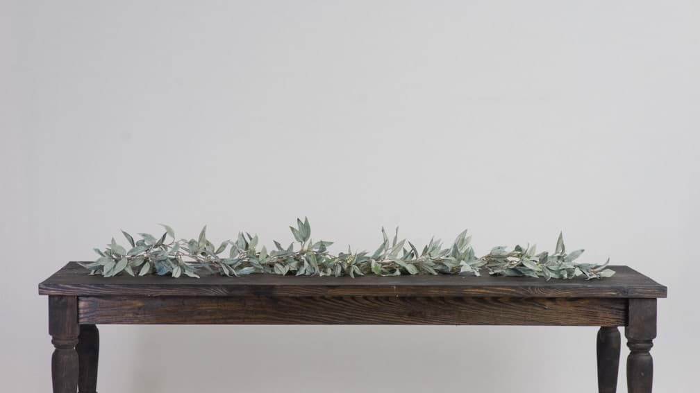 Picture of Frosted Leaf Garland